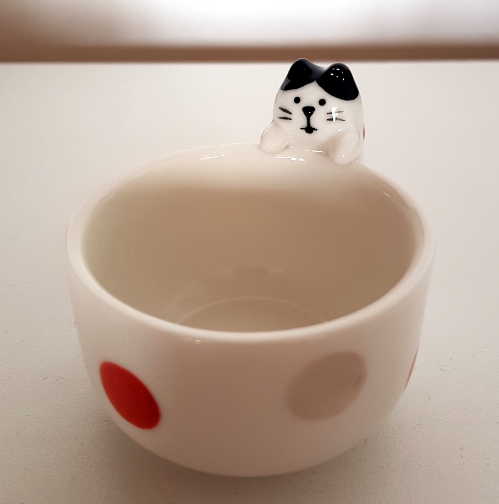 decole_unexpected_cat_hachiware_small_cup_01_mini