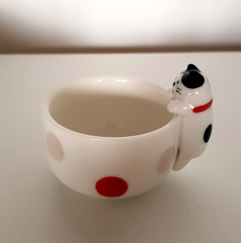 decole_unexpected_cat_hachiware_small_cup_02_mini