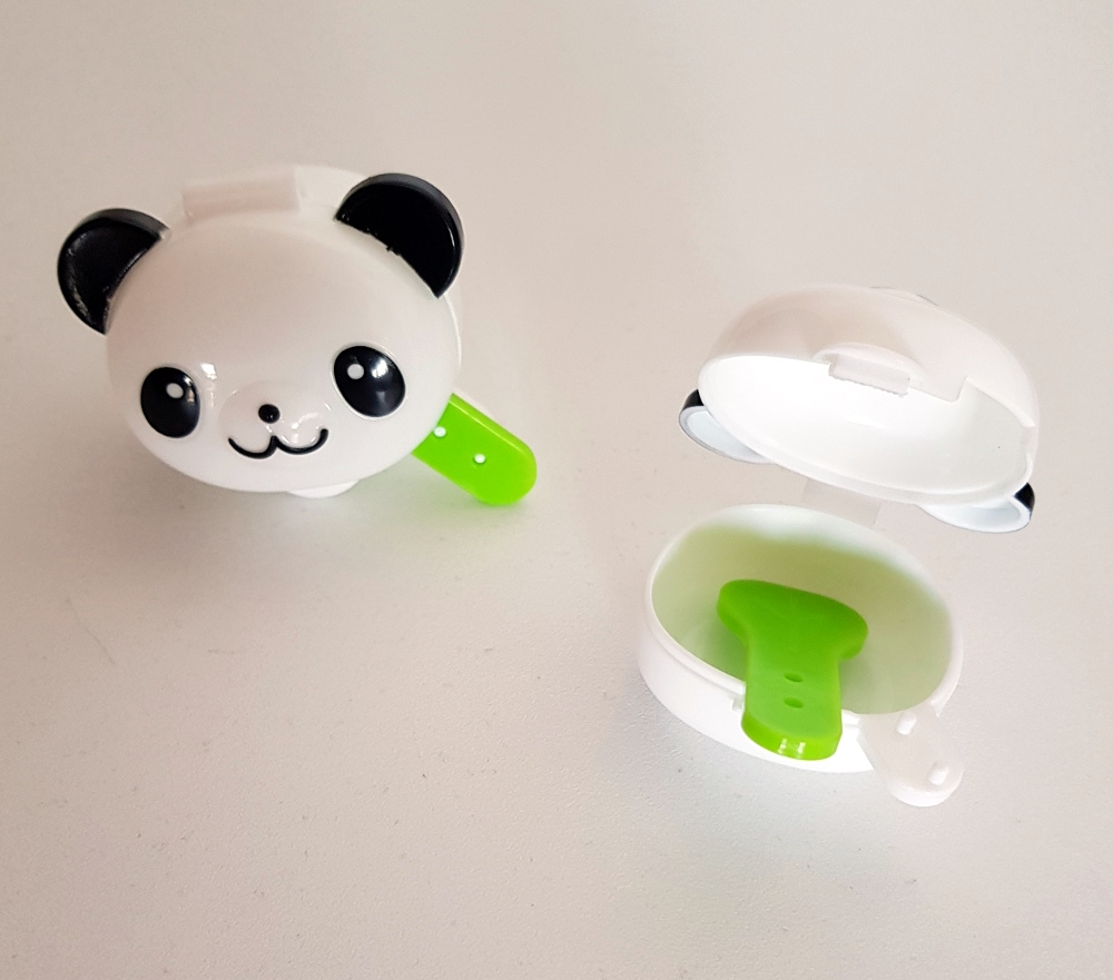 happy_panda_condiment_cups_03_mini